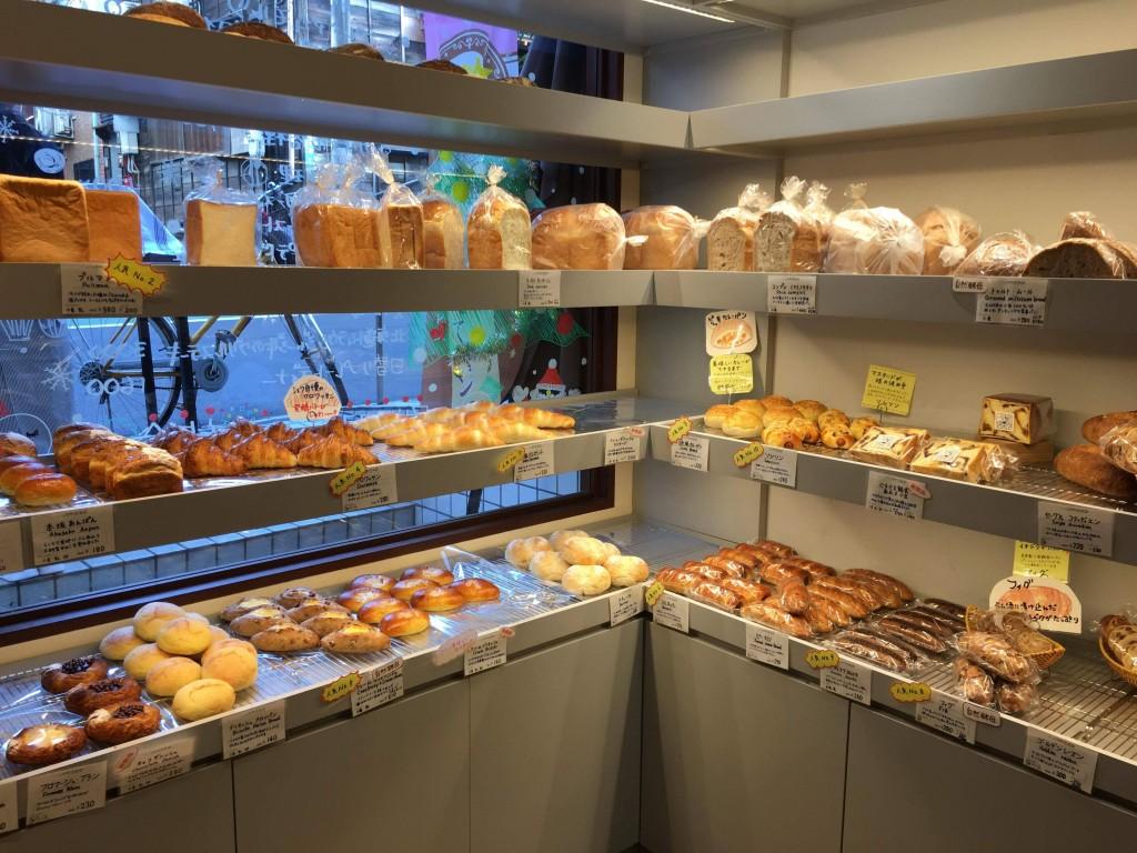 一ツ木通り近くの美味しいパン屋〜その名も「一ツ木倶楽部」♪